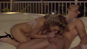 Sexy Darryl Hanah is the ultimate mature fuck